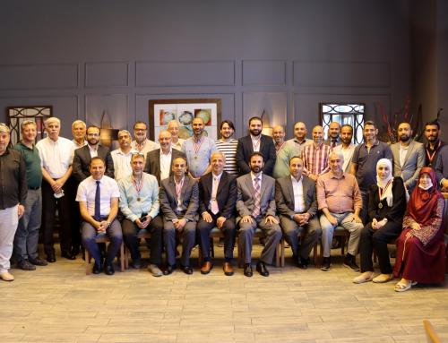 تكريم المدربين والقائمين على دورة هندسة الحفر الدولية